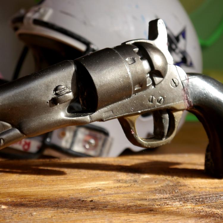 Винтажный декор на стену – револьвер Кольт, Colt Gun