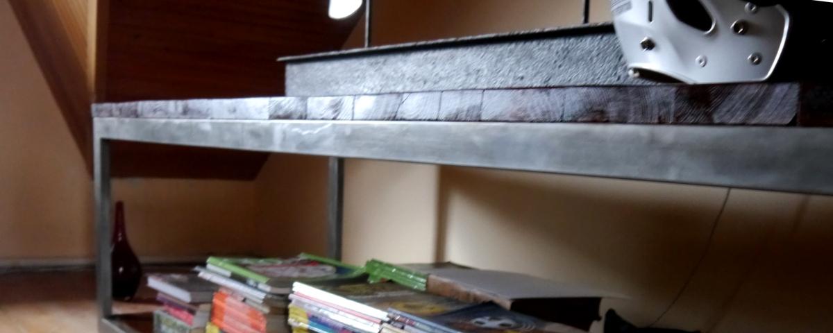 Эксклюзивная мебель из дерева,  столик журнальный в стиле американский винтаж